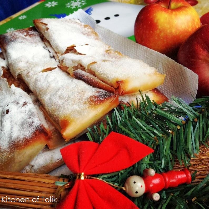 Коледен ябълков щрудел