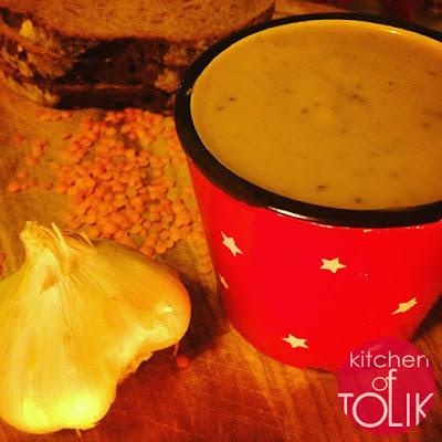 Пикантна крем супа от червена леща