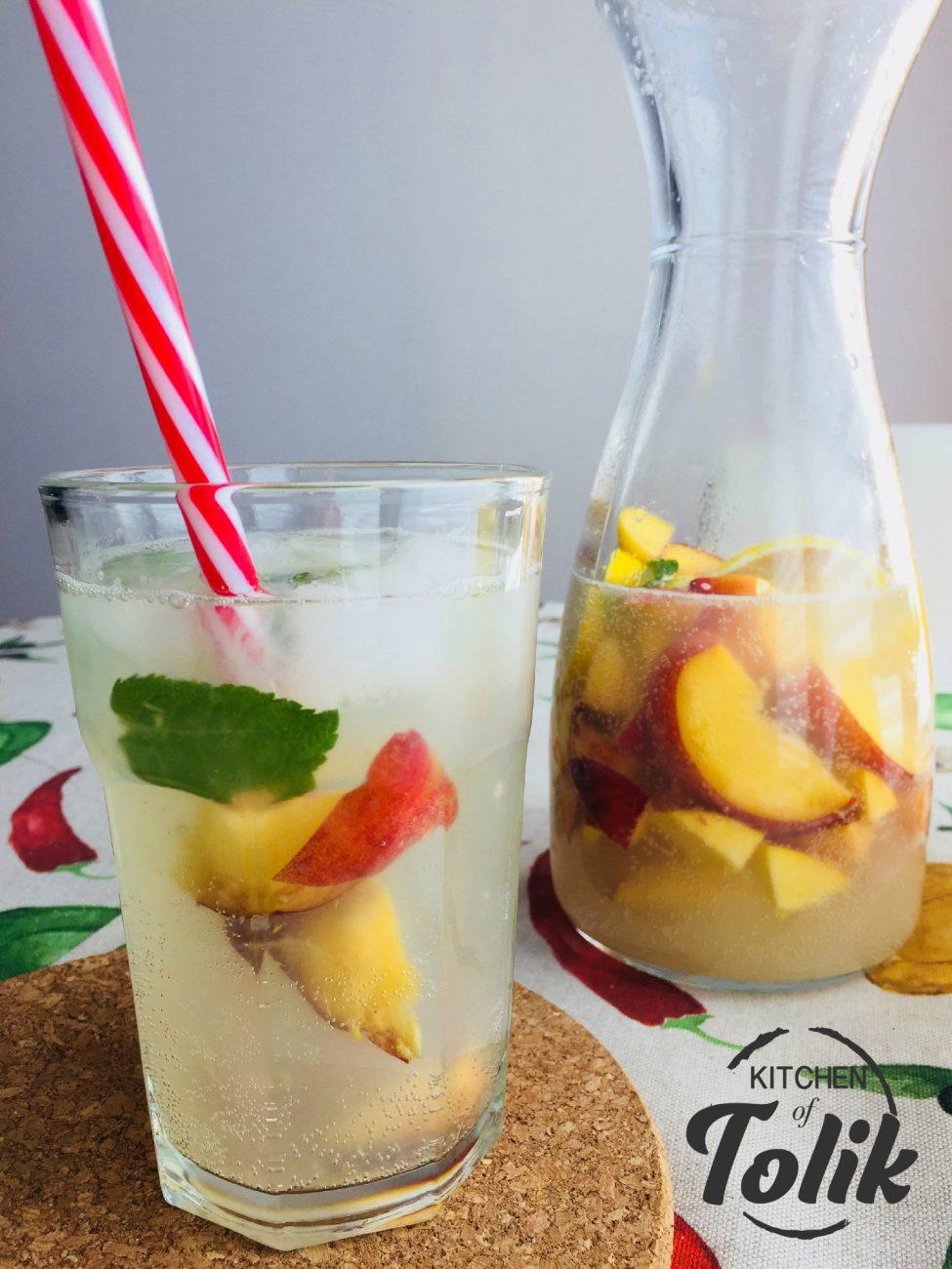 Лимонада с праскови