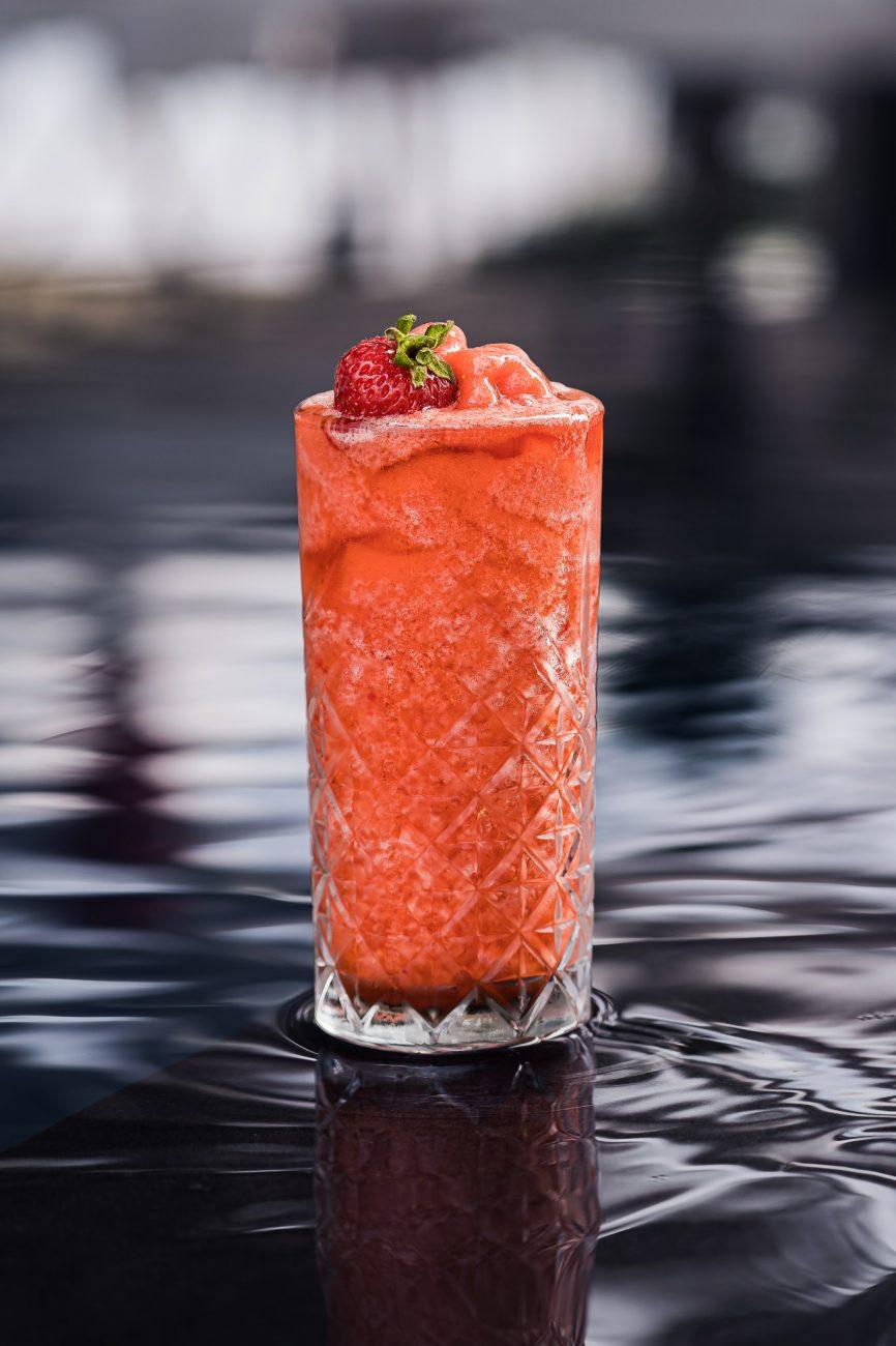 Плодово фрапе ягода