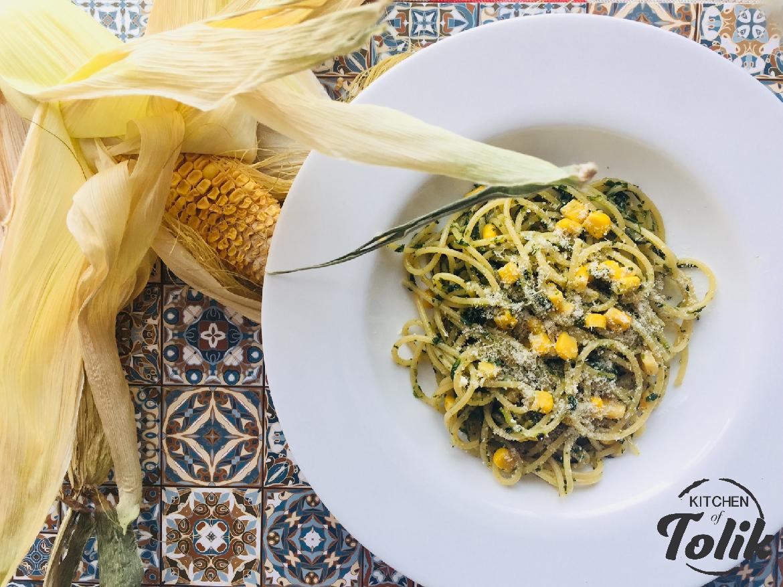 Спагети с царевица и спанак